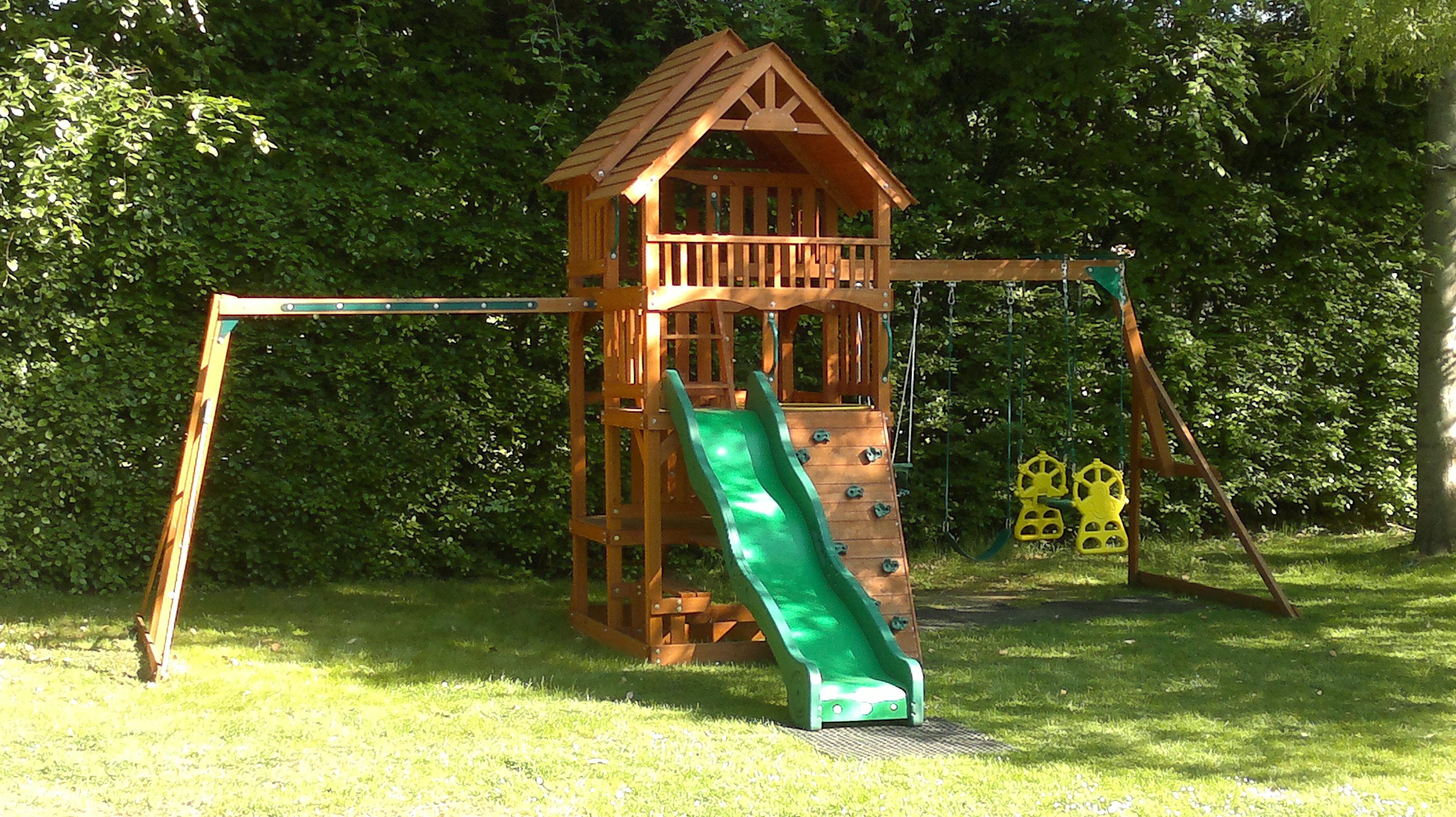 frame climbing frame installer. Black Bedroom Furniture Sets. Home Design Ideas