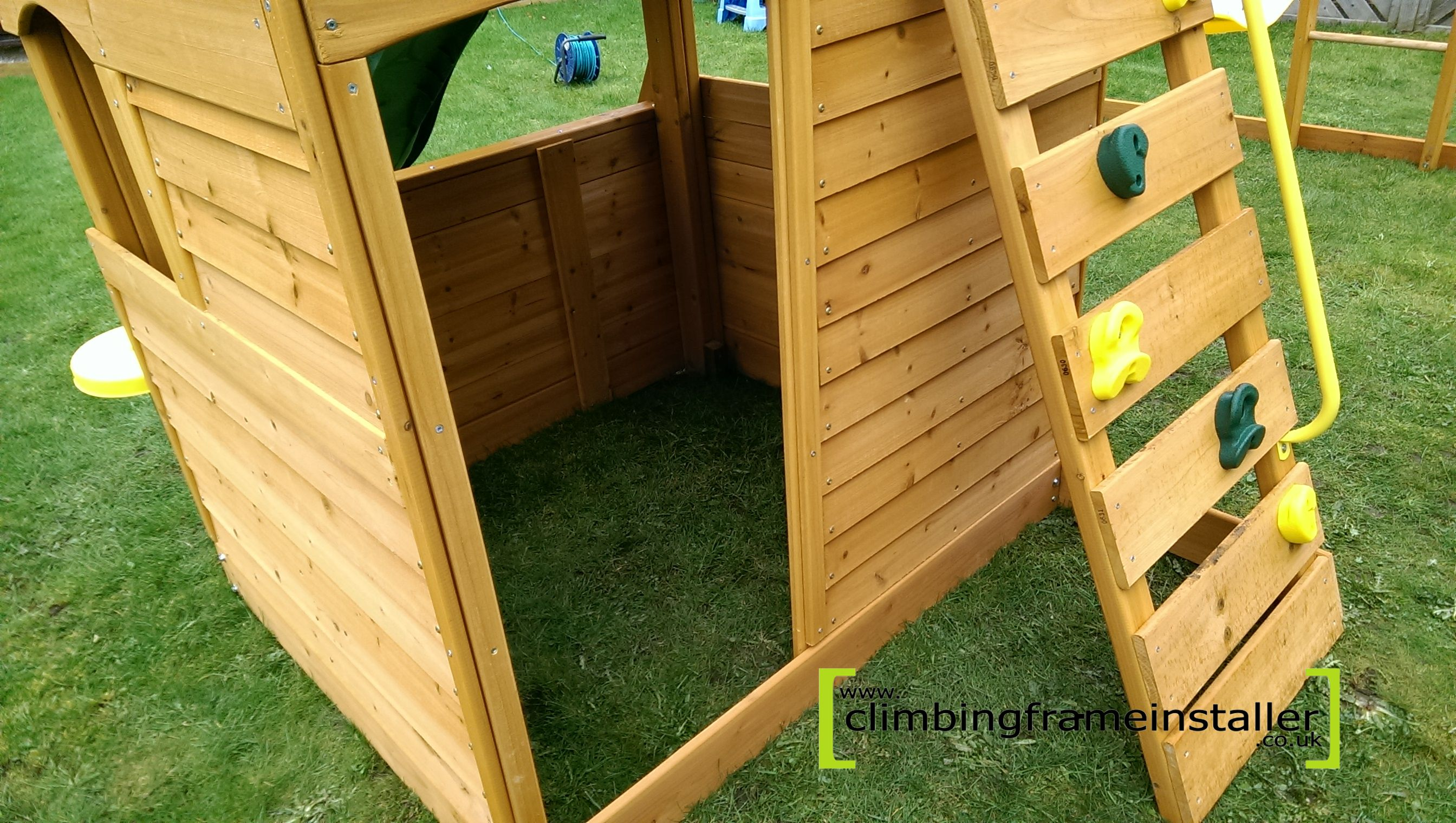 Selwood osborn climbing frame climbing frame installer for Swing set frame only