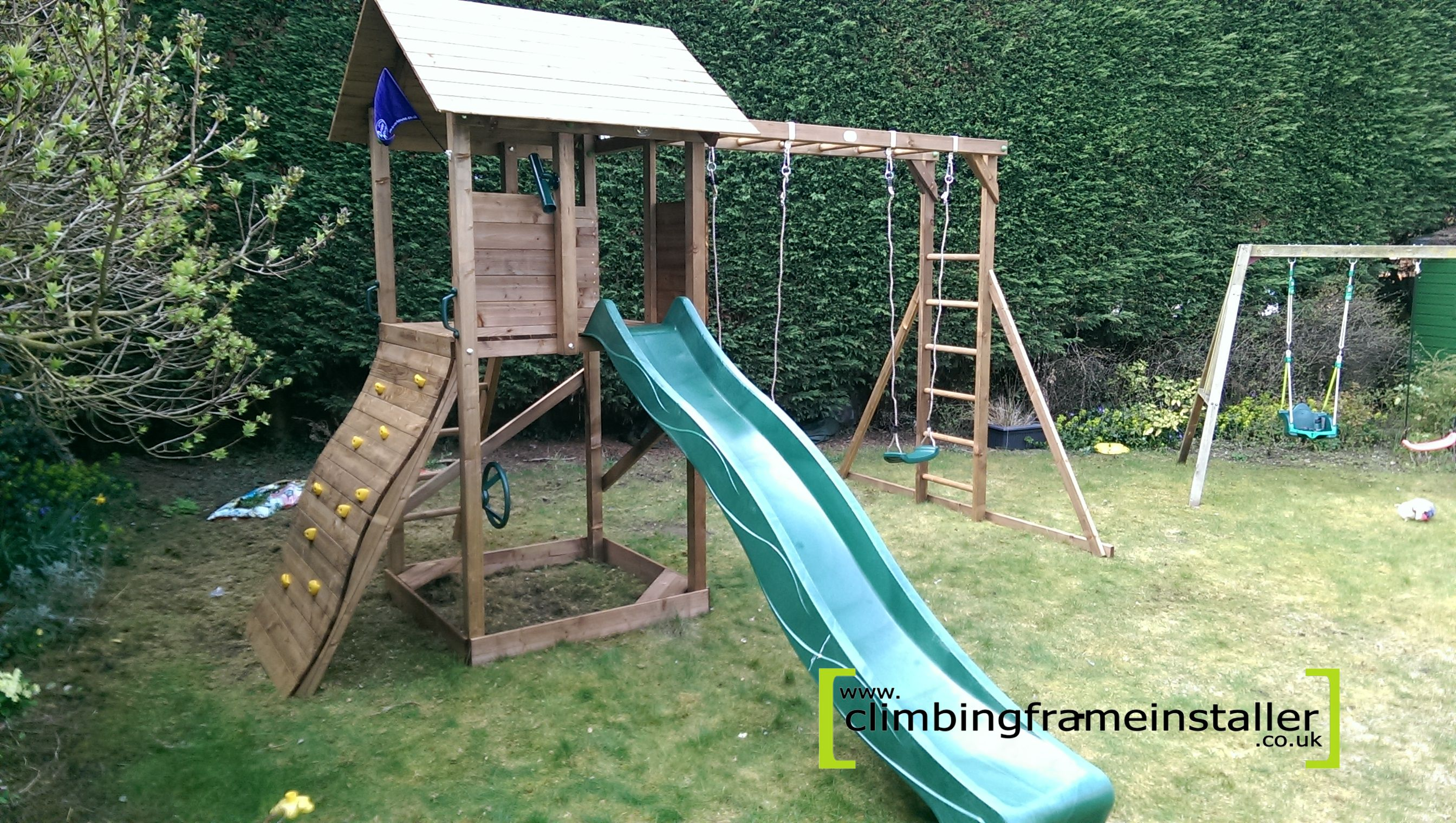 childrens climbing frame installation. Black Bedroom Furniture Sets. Home Design Ideas