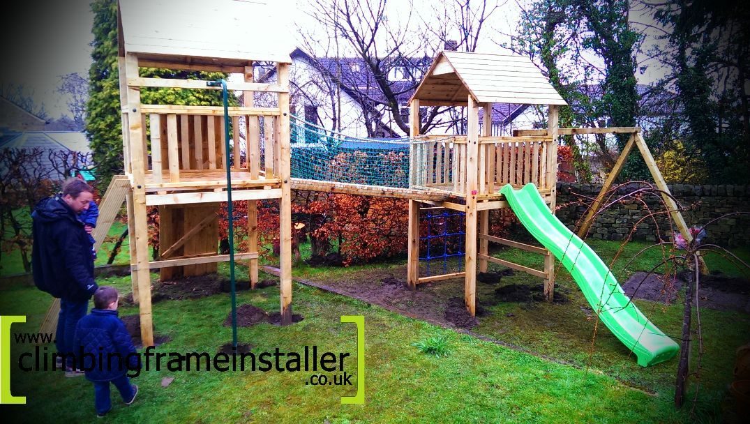 Play Crazy Double Tower Climbing Frame