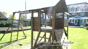 Munster House Climbing Frame Play Installer